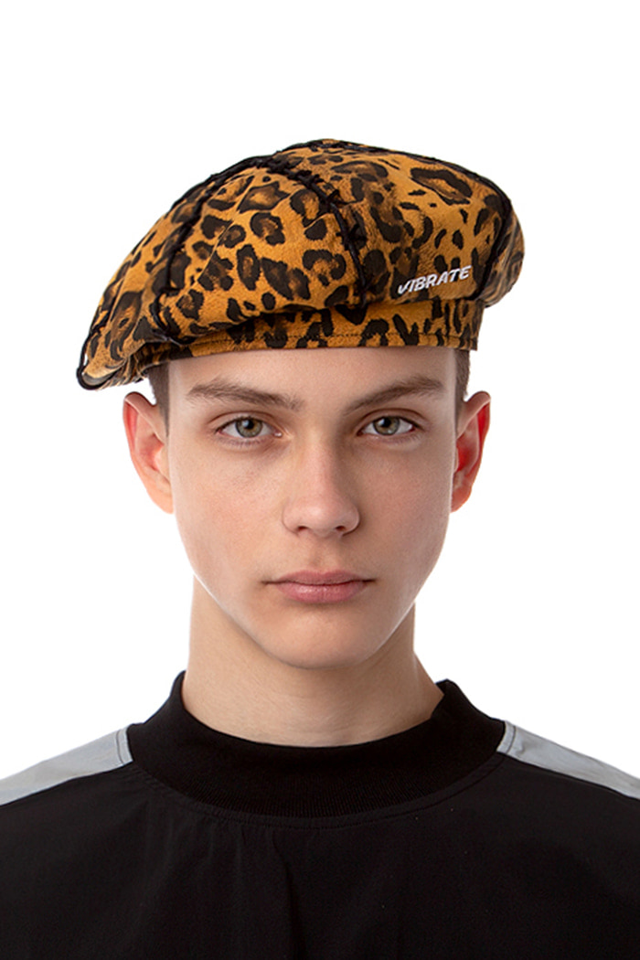 LEATHER POINT LEOPARD BERET